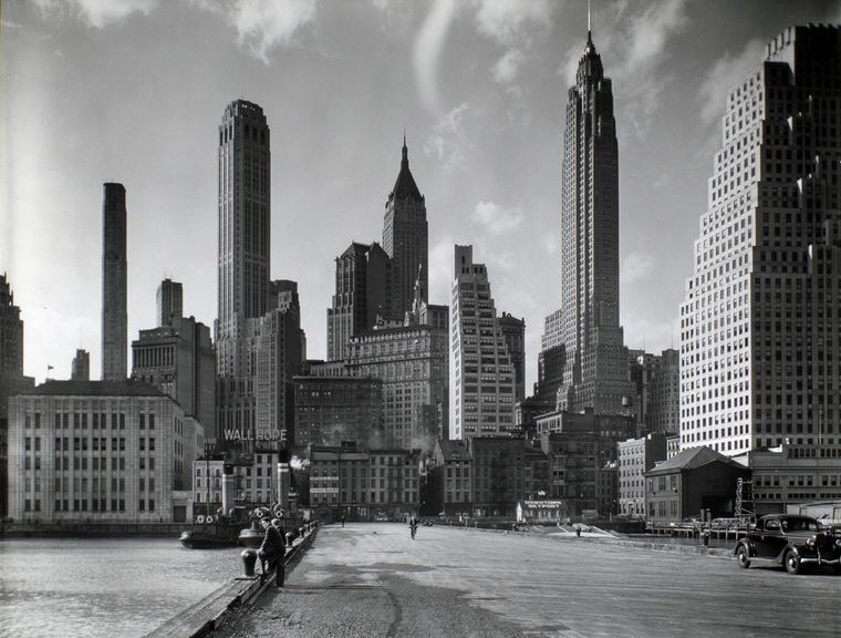 the history of skyscrapers in new york city The first skyscrapers began dotting the chicago and new york skylines in the  chicago history museum  one of new york city's first skyscrapers,.