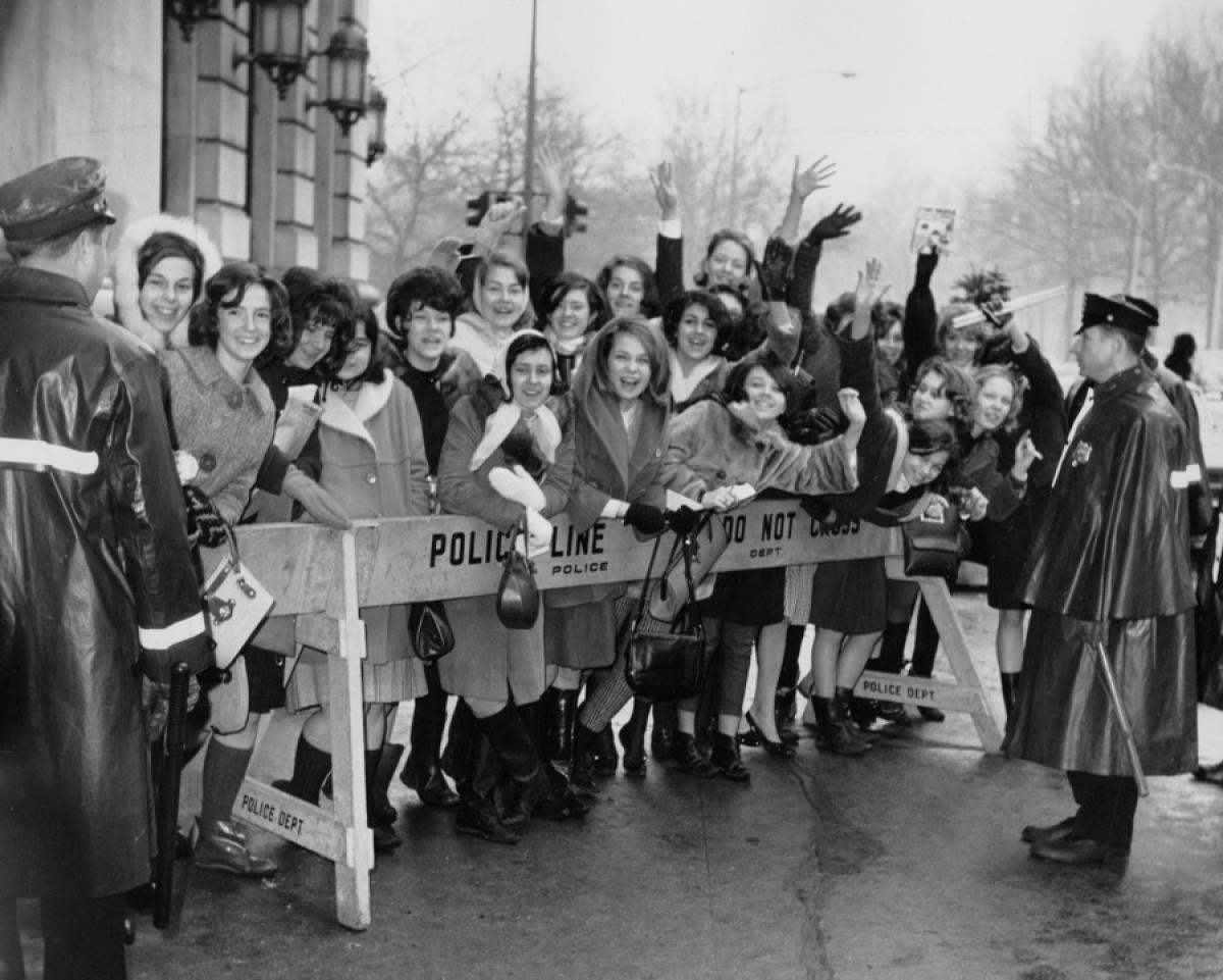 Fans await the Beatles outside the Plaza Hotel 1964 (Courtesy New York Daily News)