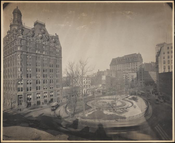 Bowling Green 1900 (Courtesy Museum of the City of New York)