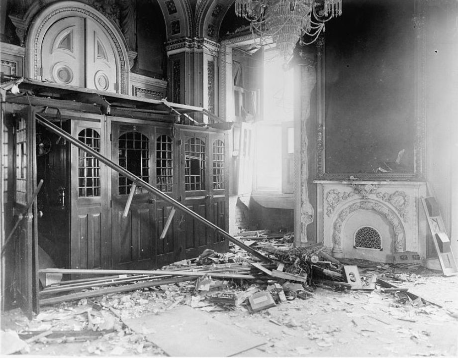 Terror Spree: Harvard professor bombs U S  Capitol, shoots