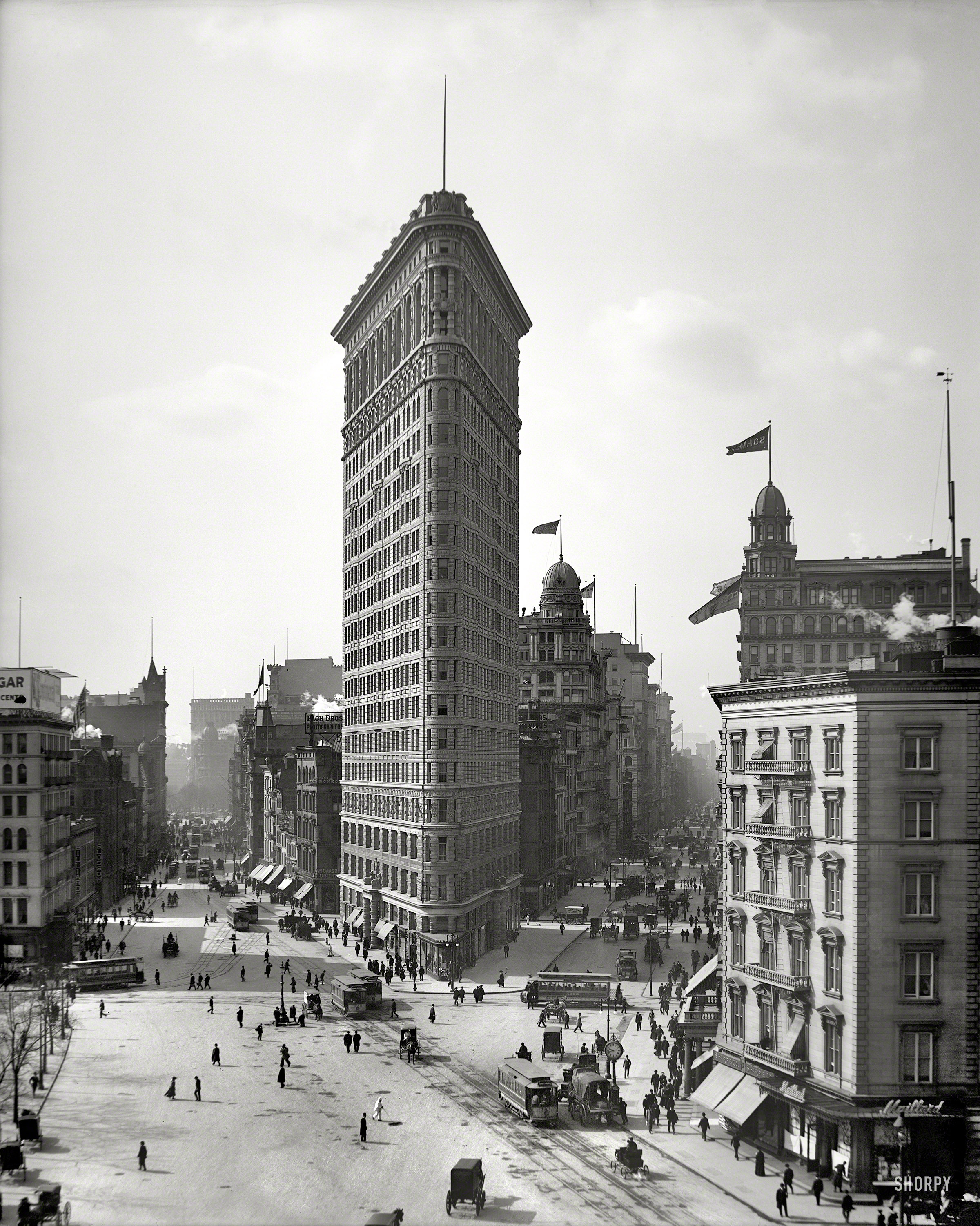 flatiron building a three sided story the bowery boys new york city history. Black Bedroom Furniture Sets. Home Design Ideas