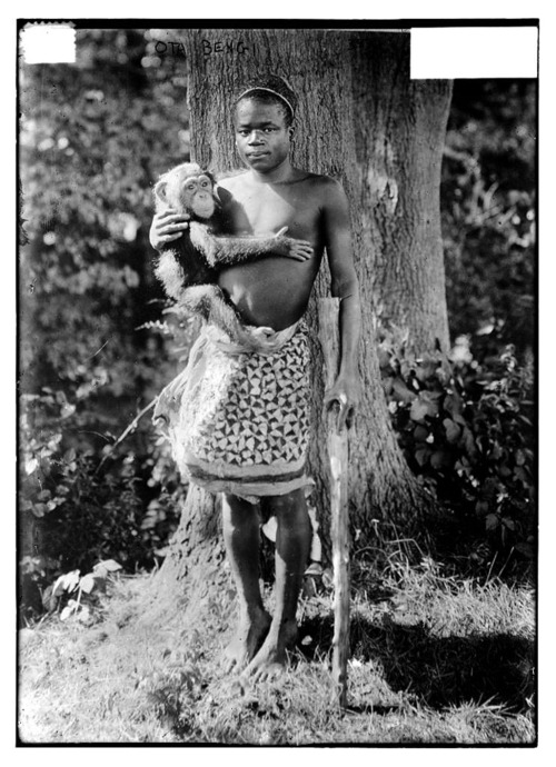 1906 photograph of Ota Benga, described as being taken at Bronx Zoo. (Wikimedia) Title: Ota Bengi     Creator(s): Bain News Service, publisher     Date Created/Published: [no date recorded on caption card]     Medium: 1 negative : glass ; 5 x 7 in. or smaller.     Reproduction Number: LC-DIG-ggbain-22741 (digital file from original negative)     Rights Advisory: No known restrictions on publication.     Call Number: LC-B2- 3971-2 [P&P]     Repository: Library of Congress Prints and Photographs Division Washington, D.C. 20540 USA http://hdl.loc.gov/loc.pnp/pp.print     Notes:         Title from unverified data provided by the Bain News Service on the negatives or caption cards.         Forms part of: George Grantham Bain Collection (Library of Congress).         General information about the Bain Collection is available at http://hdl.loc.gov/loc.pnp/pp.ggbain     Format:         Glass negatives.     Collections:         Bain Collection     Bookmark This Record:        http://www.loc.gov/pictures/item/ggb2005022751/