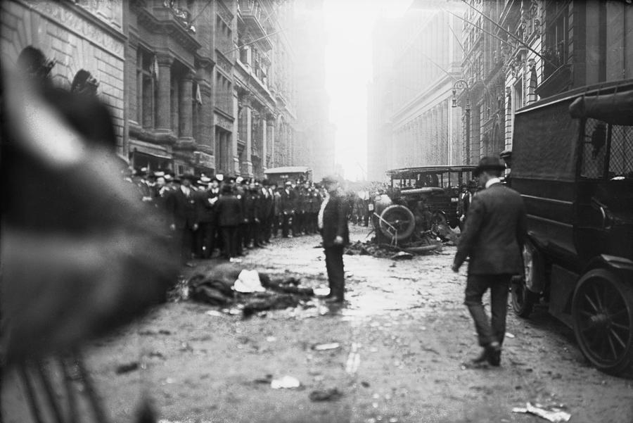 the-wall-street-bombing-a-man-stands-everett