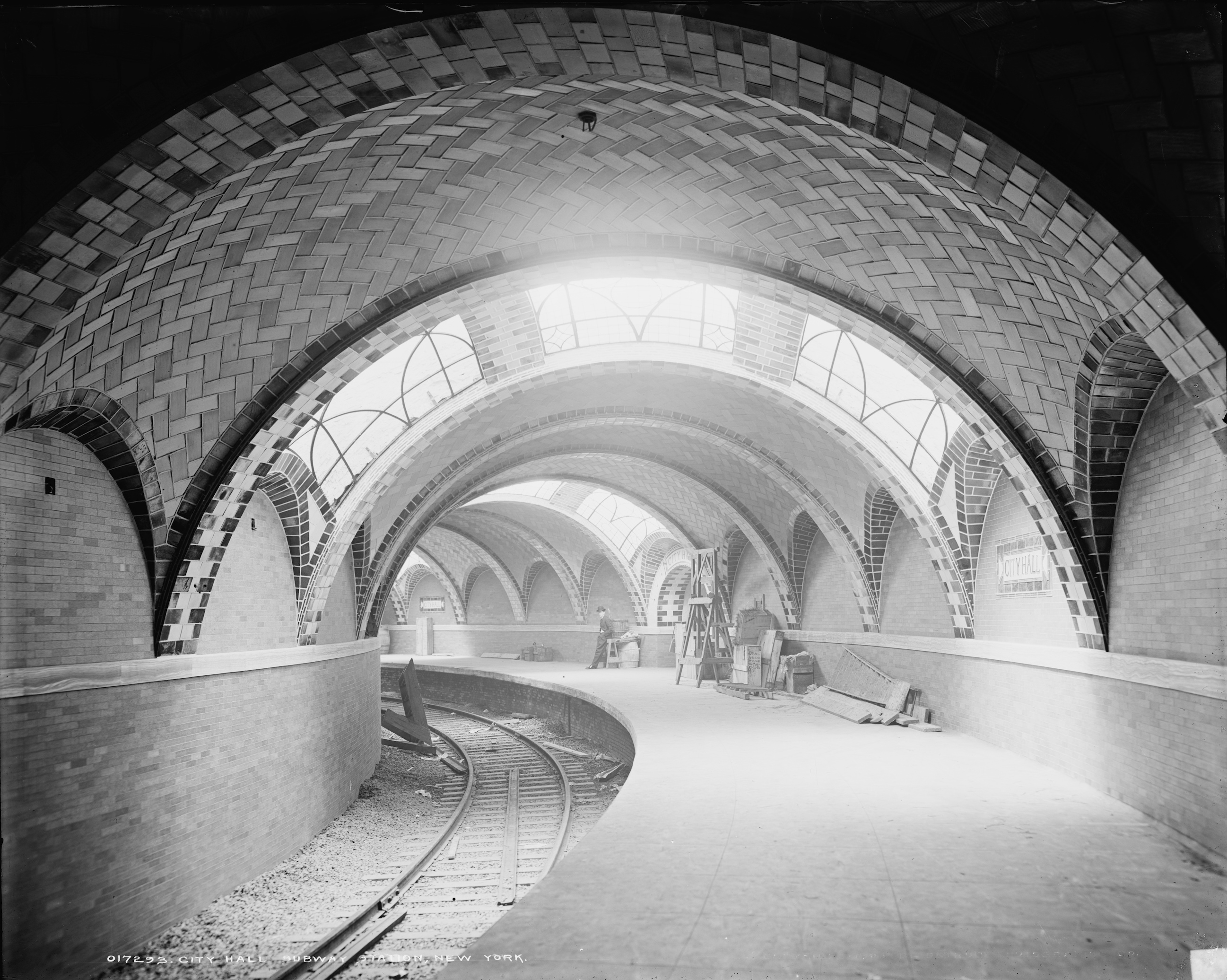city_hall_subway_station