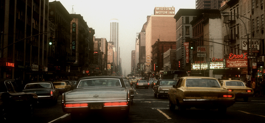 Times Square In The 1970s Grindhouses Peep Shows And Xxx Neon