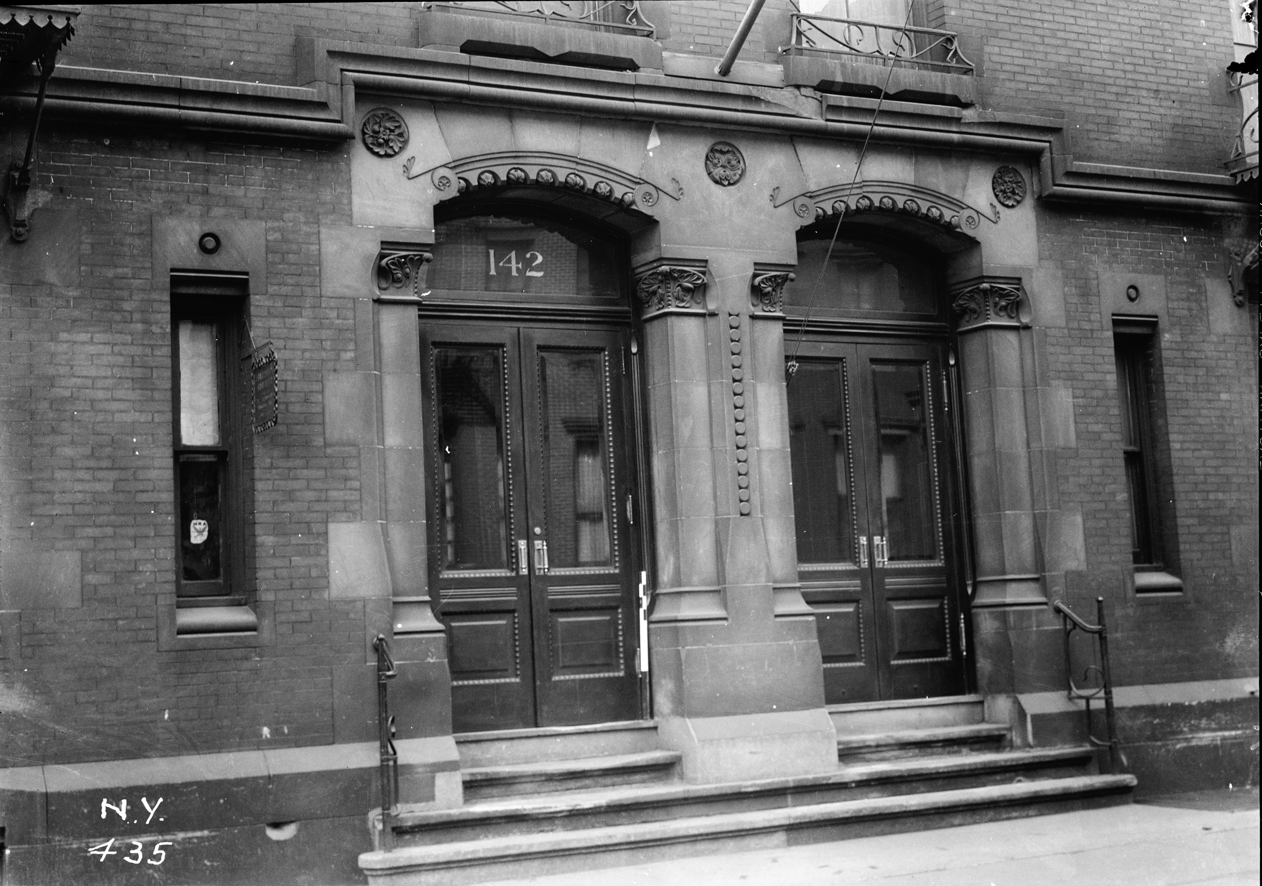 The Story Of First Apartment Building In America And Its Most Famous Resident Mrs Custer