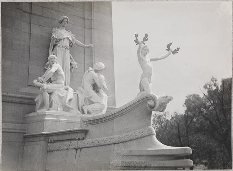 Taken 1920, courtesy Museum of the City of New York