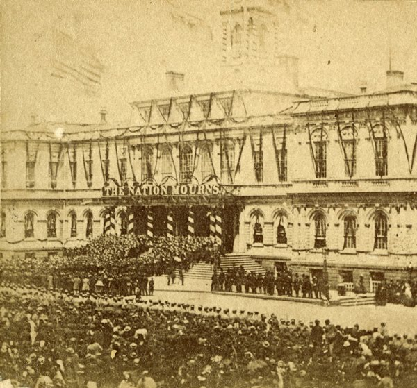 lincolns-funeral-at-city-hall