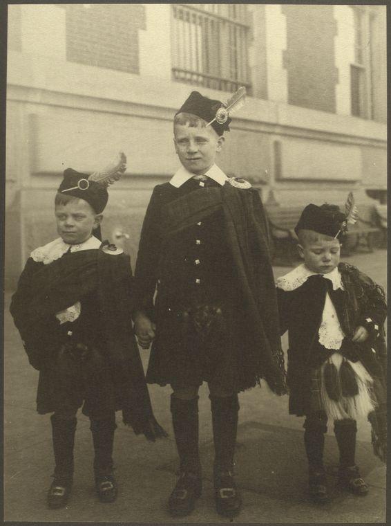 Courtesy NYPL. Augustus F. Sherman [ca. 1906-1914]