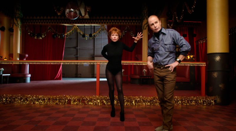 FOSSE VERDON -- Pictured: (l-r) Michelle Williams as Gwen Verdon, Sam Rockwell as Bob Fosse. CR: FX Networks