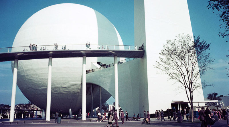Trylon and Perisphere at 1939 World's Fair (Photo by �� Peter Campbell/CORBIS/Corbis via Getty Images)